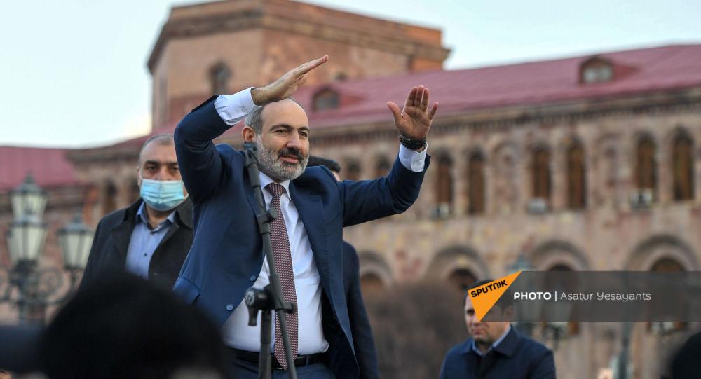 """Ermənistanda seçki kampaniyası qarşılıqlı ittihamlarla başlayıb: """"Sizi  siləcəyik...Get özünü güllələ..."""""""